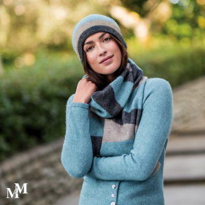 Intarsia beanie & scarf